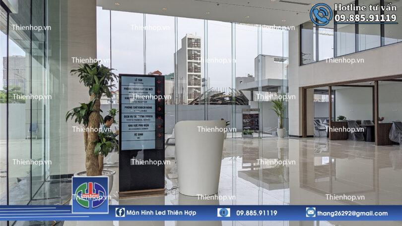 MAN HINH QUANG CAO LCD 55 INCH CHAN DUNG CHO HE THONG TOYOTA
