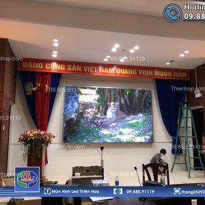 MAN HINH LED P1.86 TRONG NHA